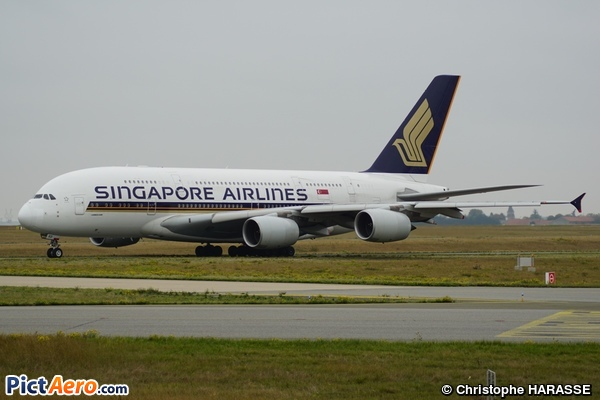 Airbus A380-841 (Singapore Airlines)