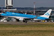 Embraer ERJ-175STD (PH-EXH)