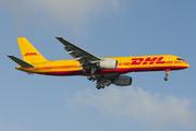 Boeing 757-236/SF (G-BMRI)