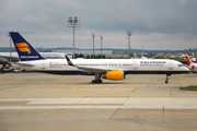 Boeing 757-256/WL (TF-FIK)