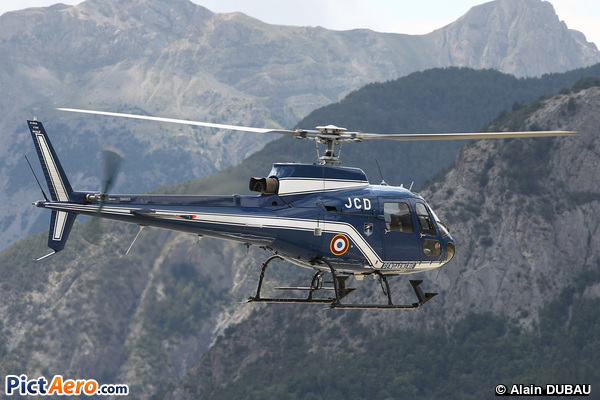 Aérospatiale AS-350 BA Ecureuil (Gendarmerie Nationale)