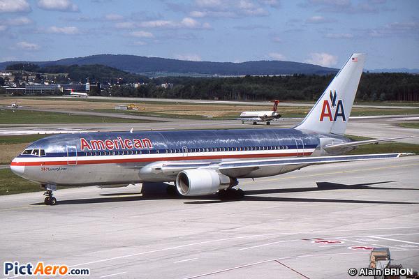 Boeing 767-222 (American Airlines)