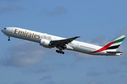 Boeing 777-31H/ER (A6-EBH)