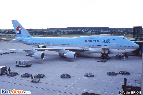 Boeing 747-4B5 (Korean Air)