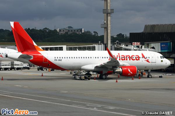 Airbus A320-214 (WL) (Avianca Brasil)