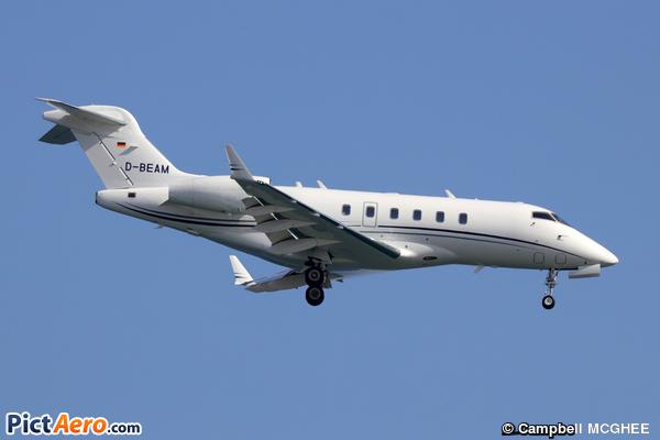 Bombardier BD-100-1A10 Challenger 300 (Private / Privé)