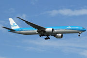 Boeing 777-306/ER (PH-BVN)