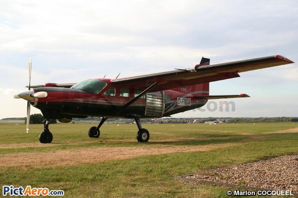 Cessna Supervan 900 (FSZ Saar)