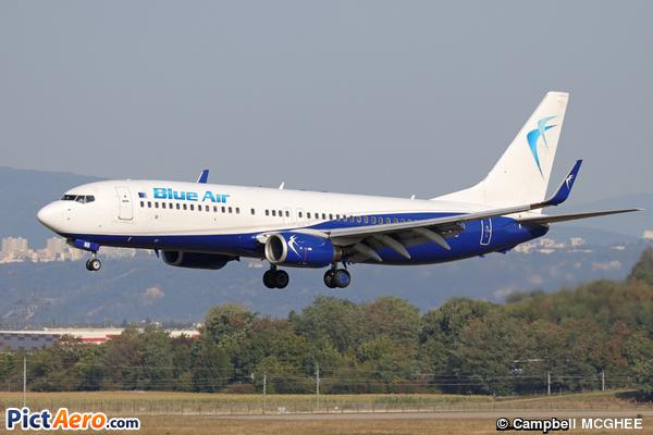 Boeing 737-85R/WL (Blue Air)