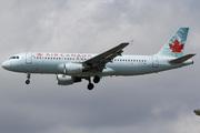 Airbus A320-211 (C-FTJR)