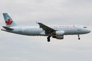 Airbus A320-211 (C-FLSS)