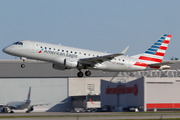 Embraer ERJ170-200LR (N106HQ)