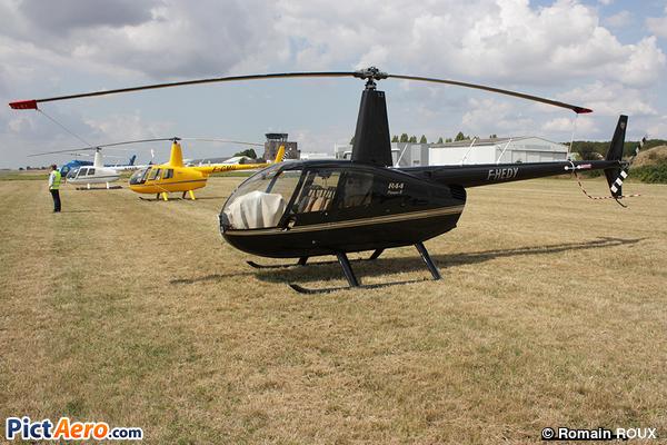 Robinson R-44 Raven II (Saône Location Transport - SLT)