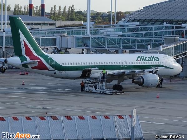 Airbus A320-216 (Alitalia)