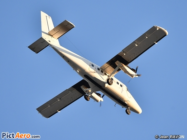 De Havilland Canada DHC-6-300 Twin Otter (France - Air Force)