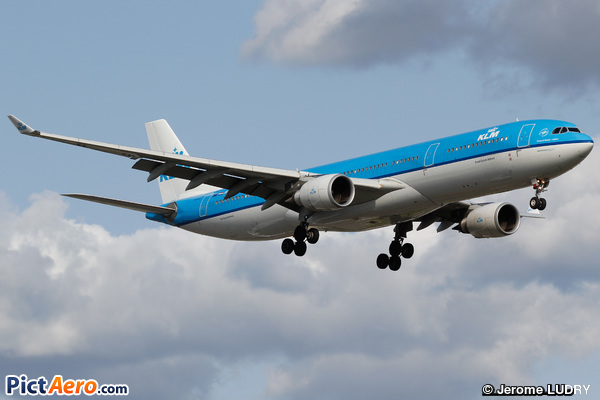 Airbus A330-303 (KLM Royal Dutch Airlines)