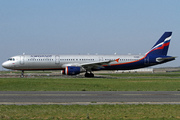 Airbus A321-211 (VQ-BHM)
