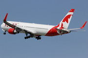 Boeing 767-36N/ER (C-GHLU)