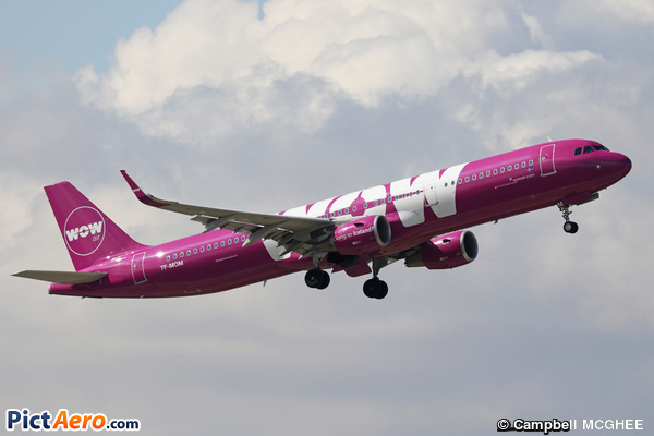 Airbus A321-211 (WOW AIR)