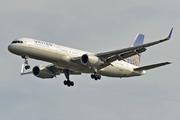 Boeing 757-224/WL (N19141)