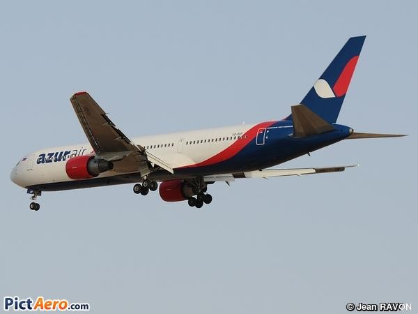 Boeing 767-33A/ER (Azurair)