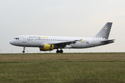 Airbus A320-216 (EC-KMI)