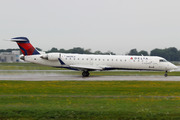 Canadair CL-600-2C10 Regional Jet CRJ-700 (N659CA)