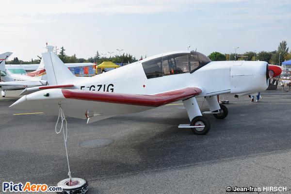 Jodel D-140A Mousquetaire (Privé/Private)