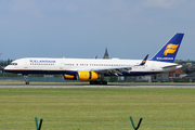Boeing 757-223/WL (TF-ISF)