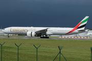 Boeing 777-31H/ER (A6-ENX)