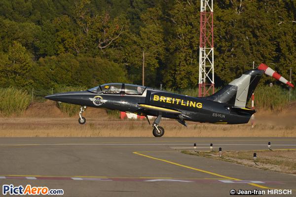 Aero Vodochody L-39C Albatros (Breitling Apache Jet Team)