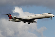 Bombardier CRJ-900ER (N676CA)