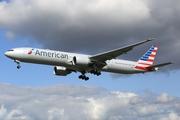 Boeing 777-323/ER (N726AN)