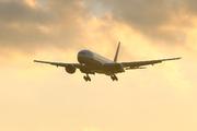 Boeing 777-222/ER (N784UA)