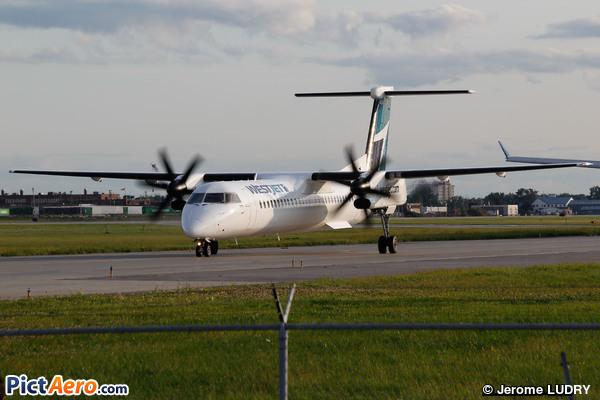 De Havilland Canada DHC-8-402Q Dash 8 (WestJet Encore)