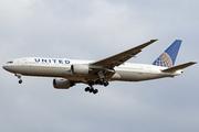 Boeing 777-222/ER (N785UA)