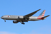 Boeing 777-223/ER (N767AJ)