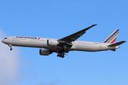 Boeing 777-328/ER (F-GZNH)