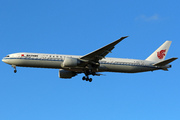 Boeing 777-39L(ER) (B-2090)