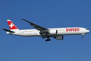 Boeing 777-3DE/ER (HB-JNC)