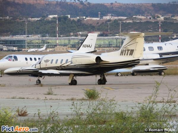 Gates Learjet 35A (NASA 805 LLC )