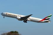 Boeing 777-31H/ER (A6-EPQ)