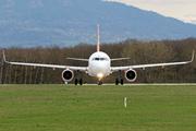 Airbus A320-214 (WL) (G-EZWX)