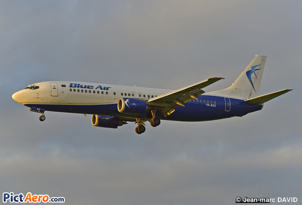 Boeing 737-42C (Blue Air)