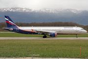 Airbus A321-211 (VP-BTG)