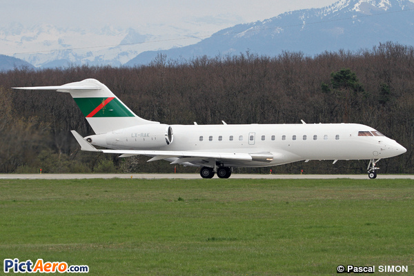 Bombardier BD-700-1A11 Global 5000 (Global Jet Luxembourg)