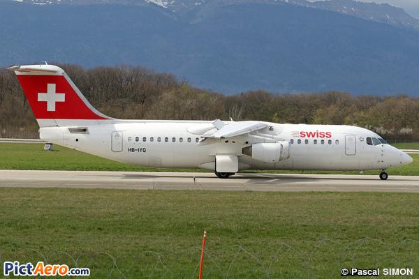 British Aerospace Avro RJ100 (Swiss Global Air Lines)