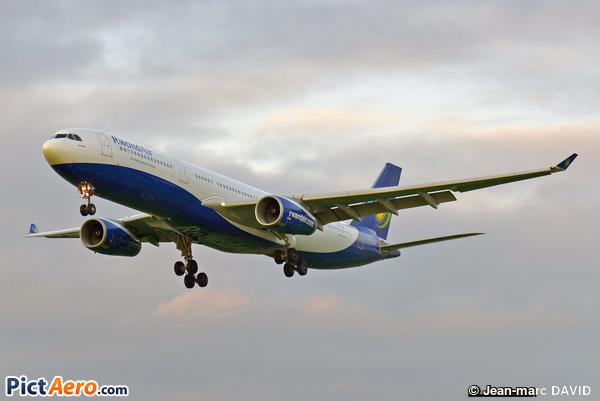 Airbus A330-343 (Rwandair)