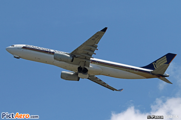 Airbus A330-343X (Singapore Airlines)