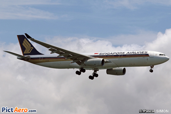 Airbus A330-343E (Singapore Airlines)